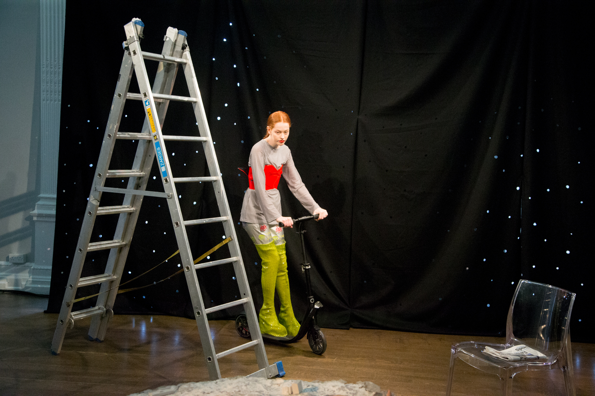 London-Fashion-Week-AW16-Carro-Studio-Point-Blank-1