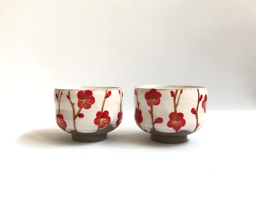 Red plum blossom cups