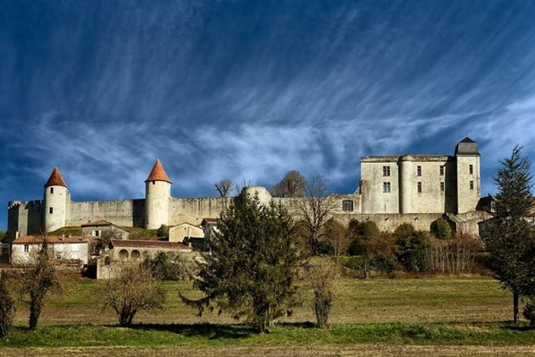 замок Villebois