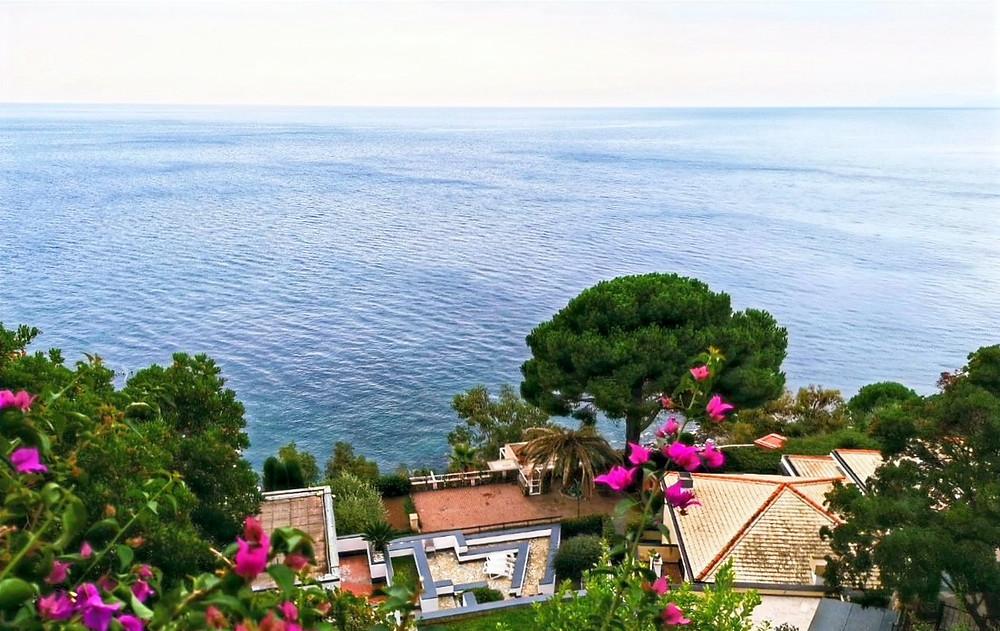 Аренцано-Лигурия-Италия-Вилла-над-морем