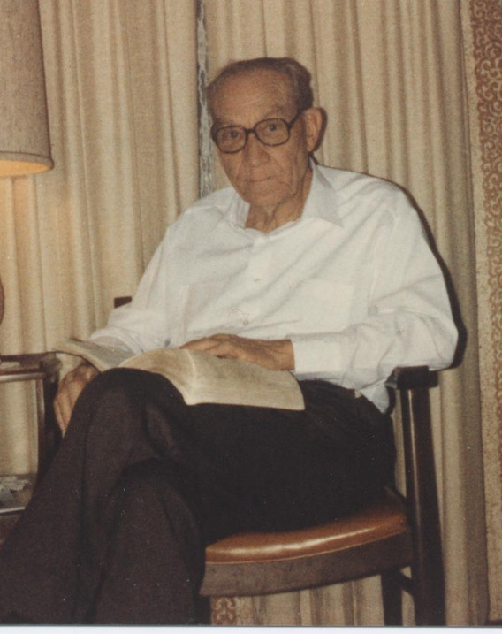 Nations, Lonnie with Bible 001.jpg