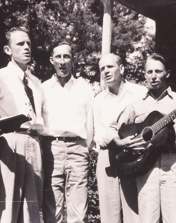 Lonnie Nations and men about  1952.jpg