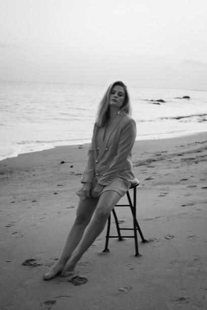 Model: Allison Holton
