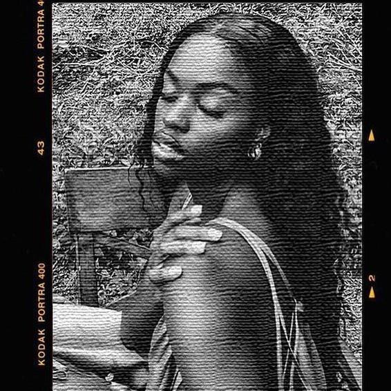 Model: Aissa Maru