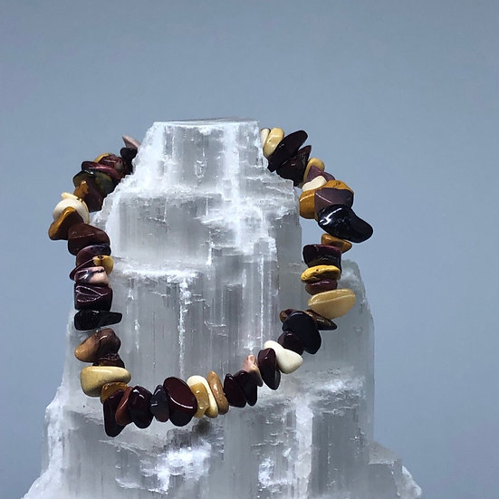 Mookaite Crystal Chip Bracelet - LMG Rocks and Crystals
