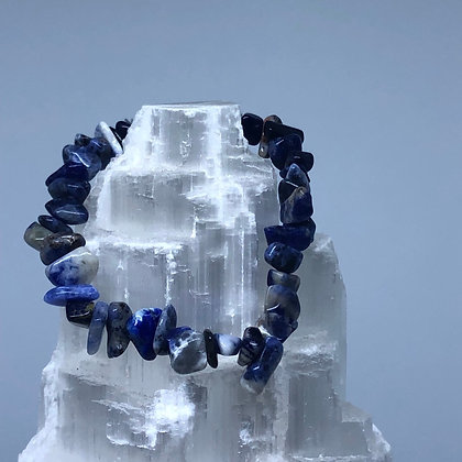 Sodalite Crystal Chip Bracelet - Evoking Serenity