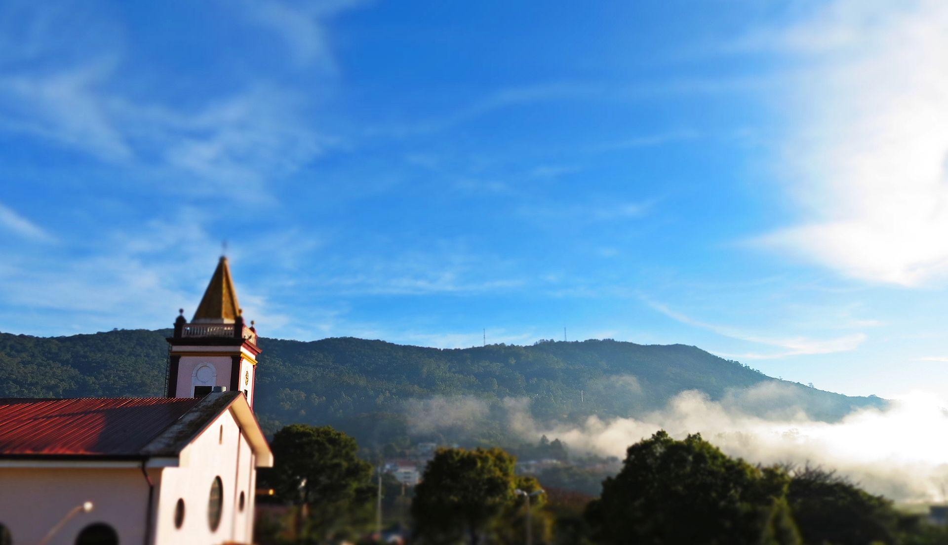 Igreja Matriz e Morro do Juquery
