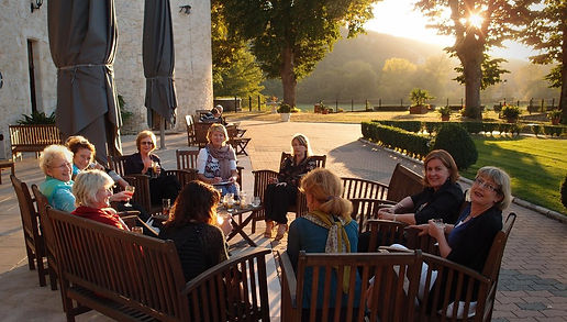Painting Workshop drinks before dinner. Château la Fleunie, Condat-sur-Vézère, France