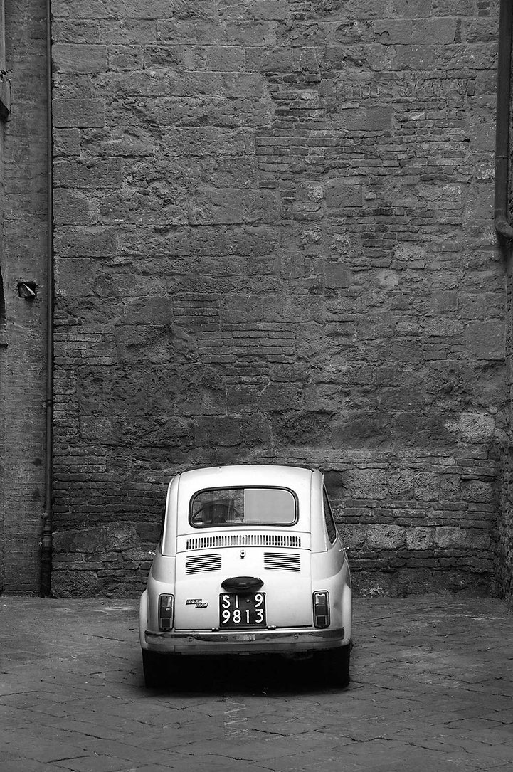 Fiat 500 Bambino showing Dominance of Size