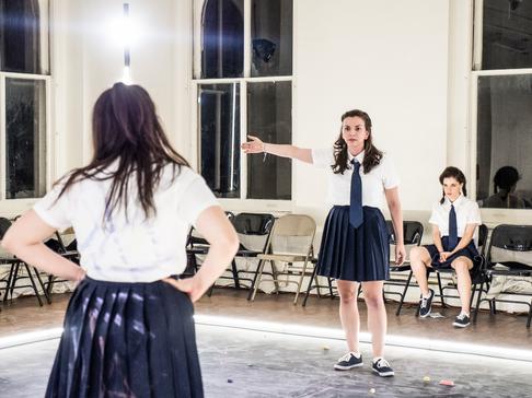 Déa Julien, Violeta Picayo and Madeline Wolf 📷  Carol Julien