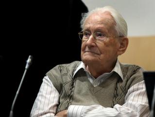 Oskar Groening, el 'Contador de Auschwitz', condenado por crímenes de guerra, muere a los 96 años