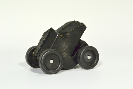 Tar toy