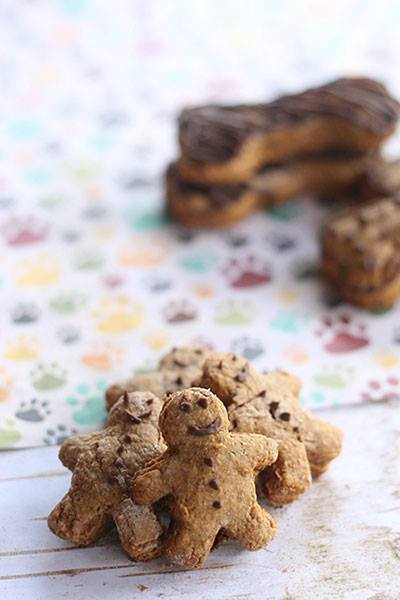 Gingerbread dog treats
