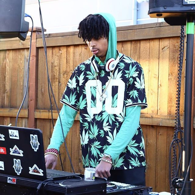 Live DJ (on site only)