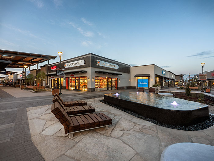 Denver Premium Outlet chaise