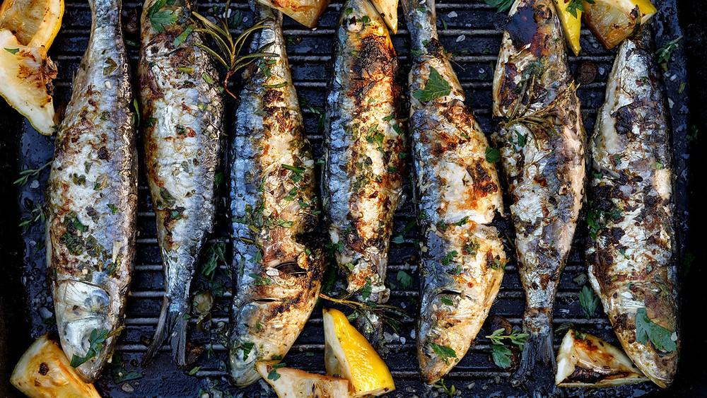 Главные блюда Португалии, сардины ассадаш