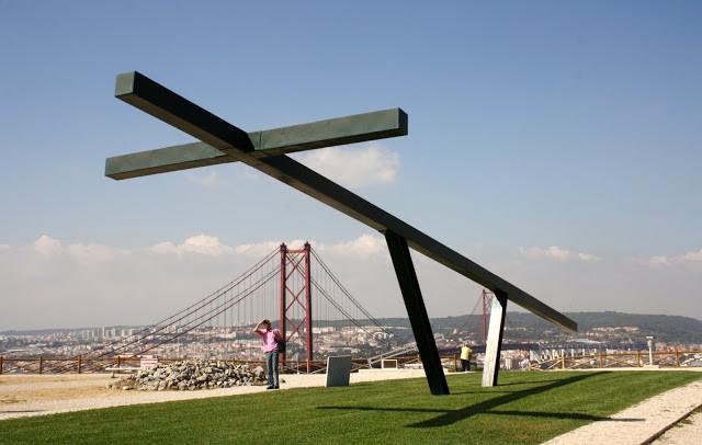 Интересные места Португалии, Статуя Христа в Лиссабоне