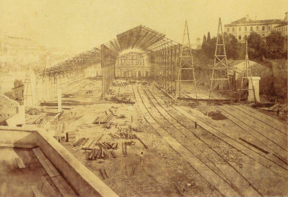 Железные дороги Португалии, вокзал Россиу