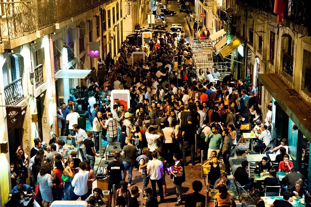 Ночная жизнь в Лиссабоне
