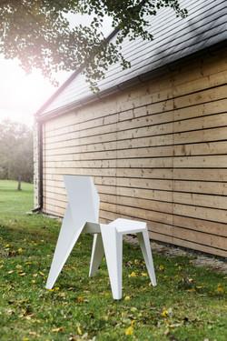 edge_chair_nature_novague