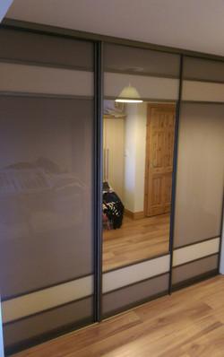 cappaccino and mirror sliding doors