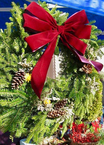 holiday wreath 2.jpg