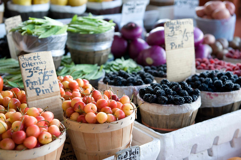 Farmers markets happen weekly near our Leesburg rental