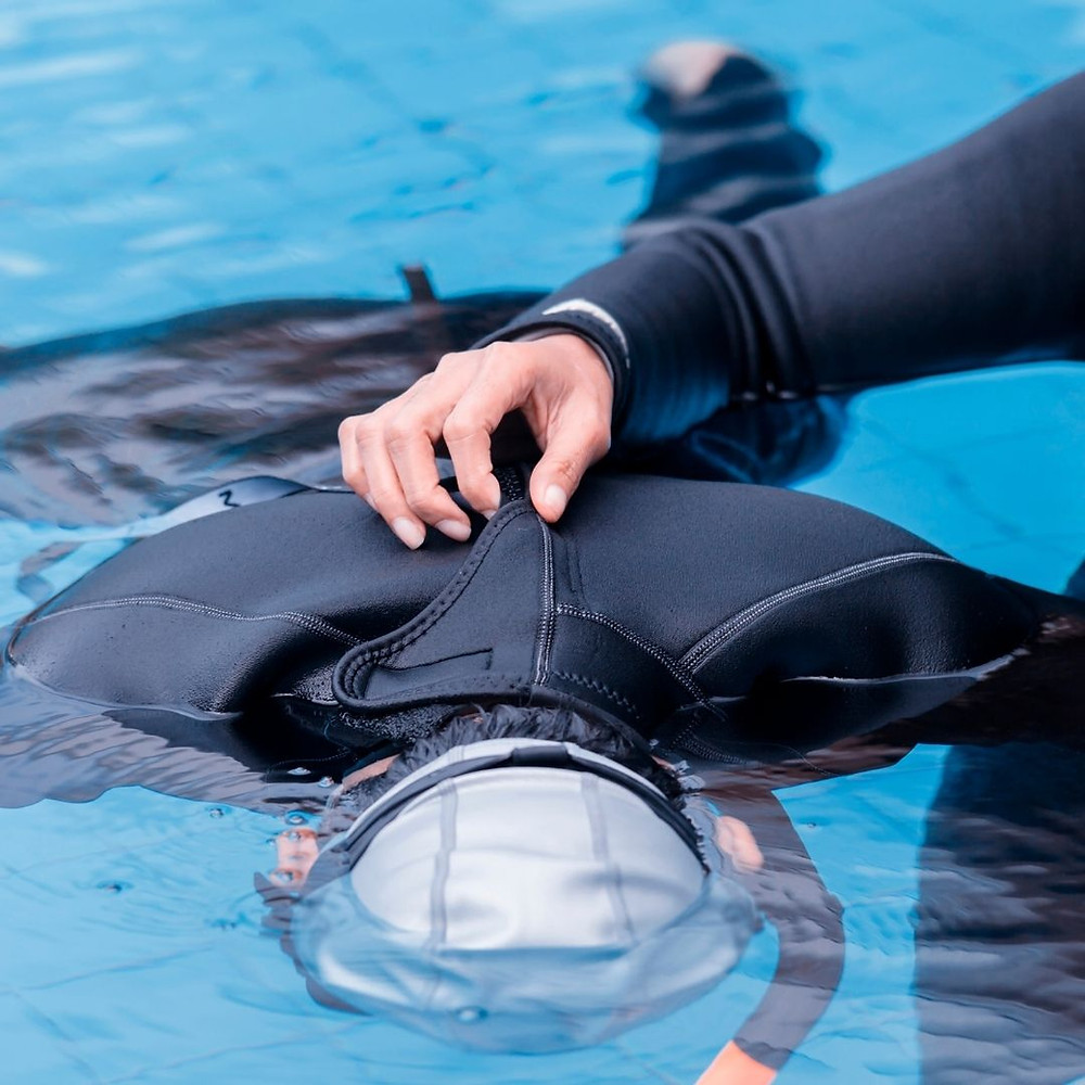 לימודי צלילה הכנסת הראש מתחת למים