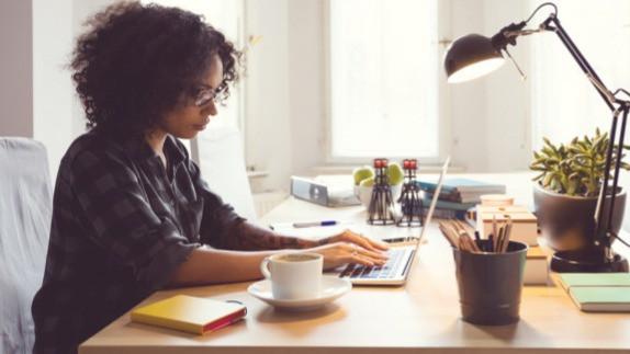 Angle Accountant Freelance Service