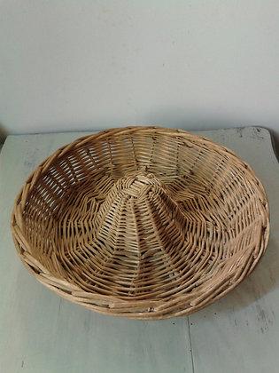 Moule ancien de boulanger en rotin
