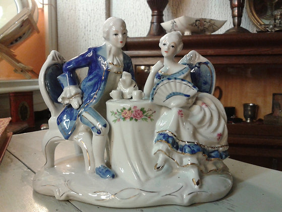 Figurine porcelaine couple. Ref.0674