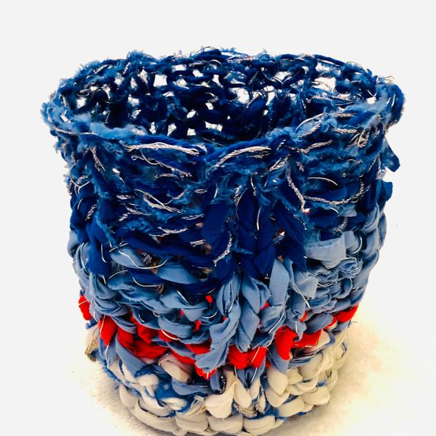 cesto azul e coral de lado.jpg