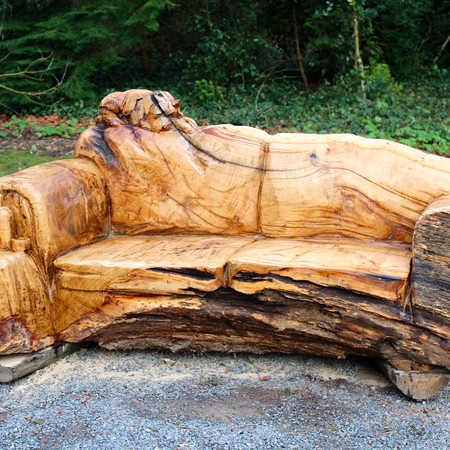 Oak memoral bench, chainsaw carving, South Wales