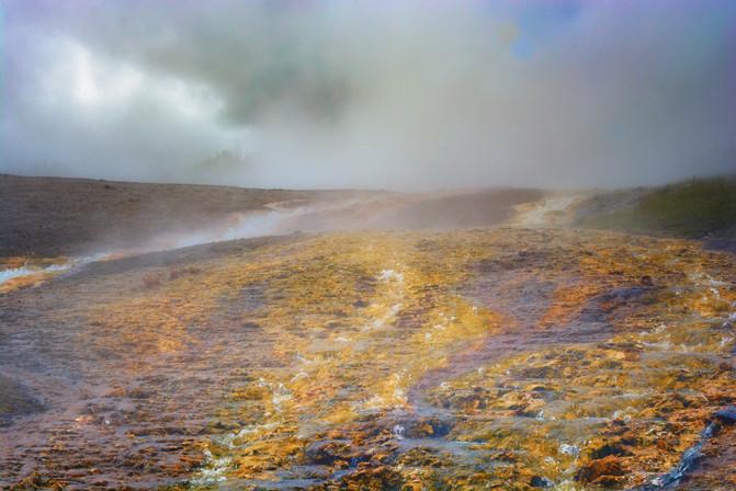 Yellowstone_Springs-24.jpg