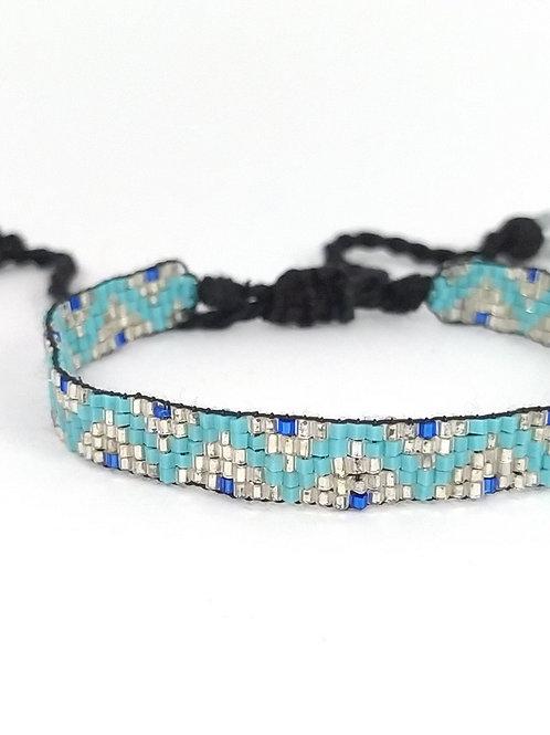 Pulsera con beads de piedras naturales color turquesa y plata