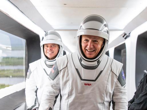 El mexicano detrás del nuevo diseño de los trajes de astronautas de SpaceX