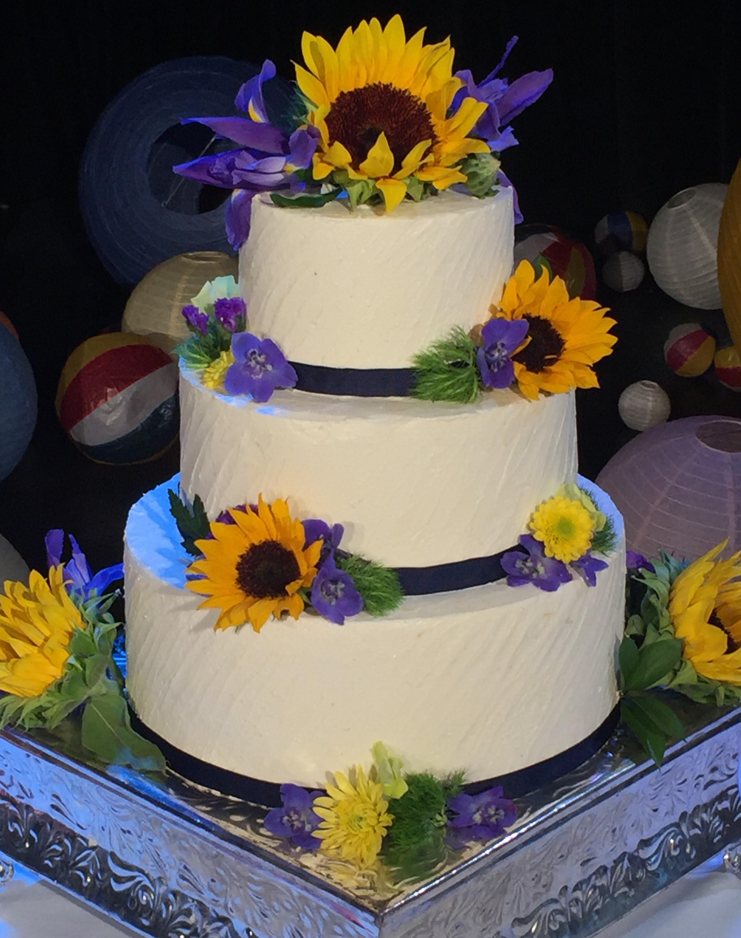 Reikos Wedding Cake