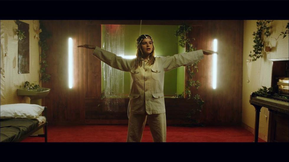 Prop headress for Gabrielle Aplin Music video