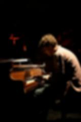 HMWO_pic_piano.png
