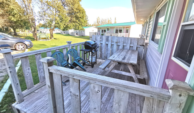 Cottage 9 Deck