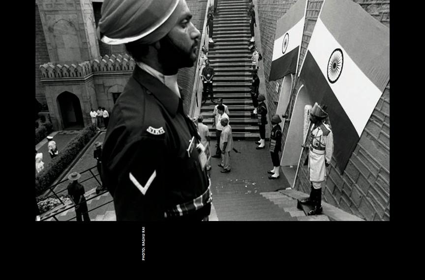 PHOTO © RAGHU RAI
