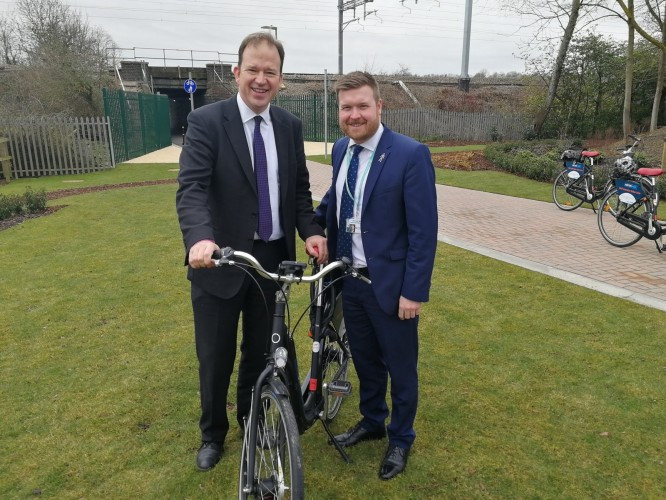 Jesse Norman MP with Cllr Liam Walker from Oxfordshire County Council.