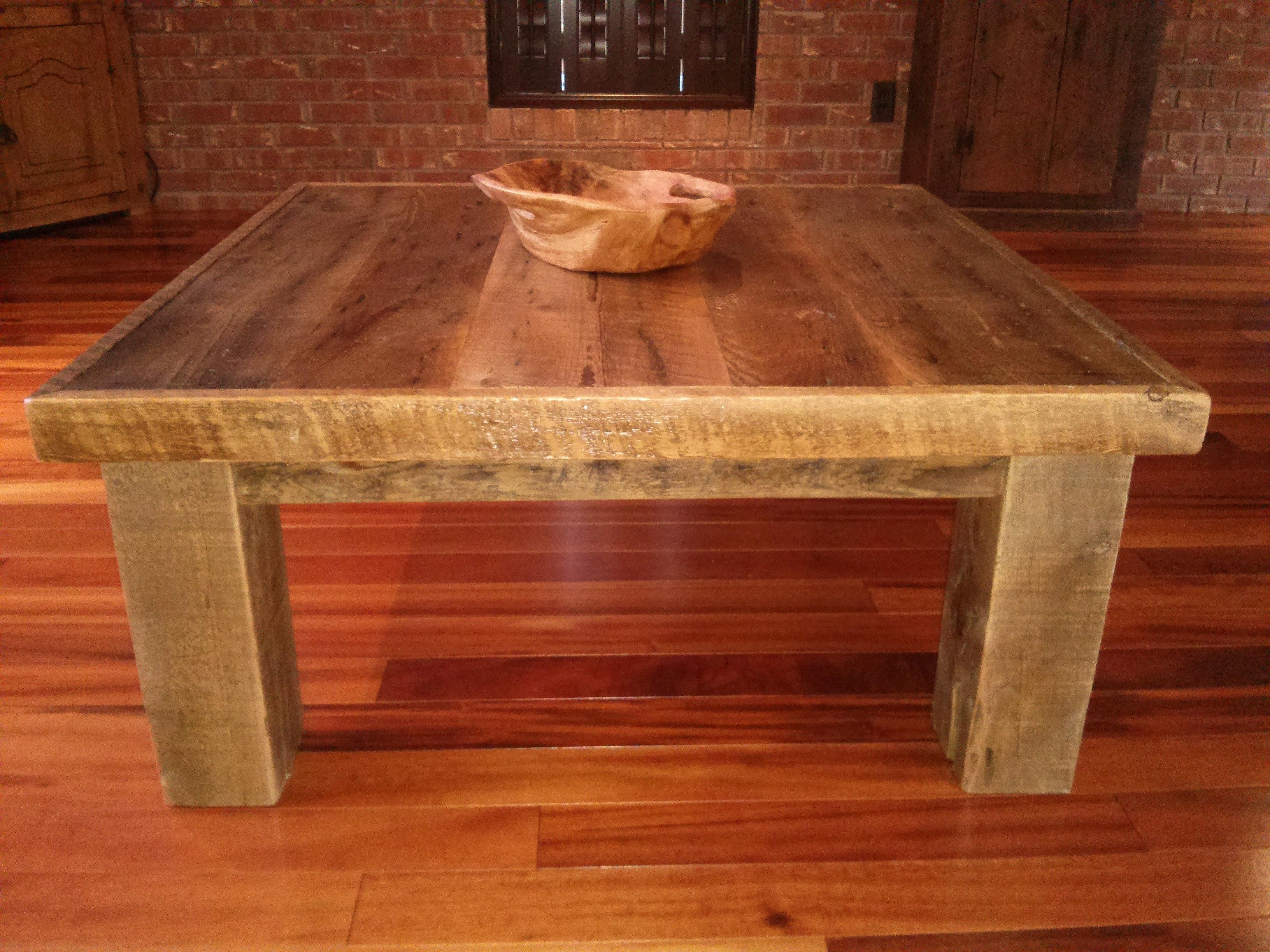 table de salon en bois maison design. Black Bedroom Furniture Sets. Home Design Ideas