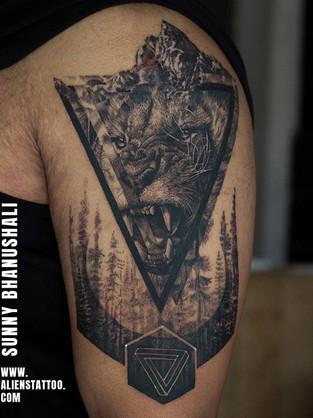 lion-tattoo-geometric-realistic-tattoo-i