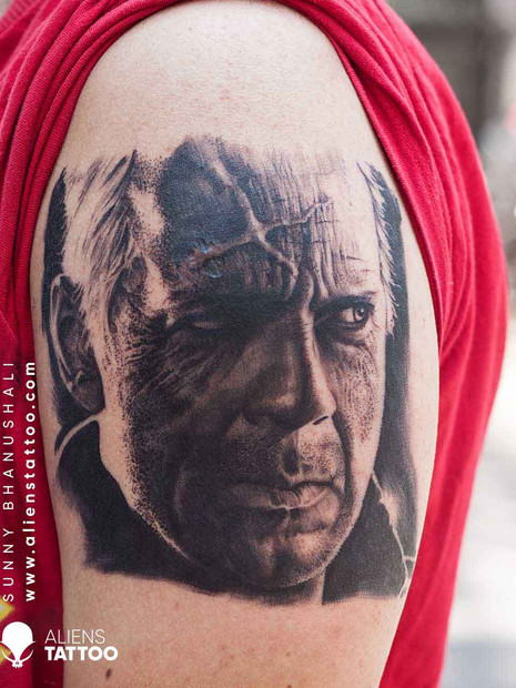 hyper-realistic-portrait-tattoo-bruce-wi