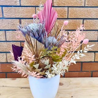 Large Dried Arrangement – $80