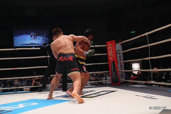【RIZIN】スダリオ剛 KO後の攻撃によりペナルティ決定&試合後インタビュー