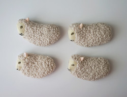 Sheep brooch © mina chape