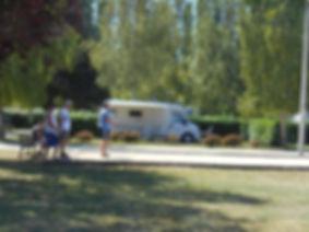 Camping Au Bord du Loir, situé au coeur de la Vallée du Loir en Sarthe, à proximité du Zoo de la Flèche et des 24 Heures du Mans. Idéal pour vacances en famille avec des animations proposées tout l'été. A proximité : balade en nature, pêche, détente, visites des Châteaux de la Loire, de la forêt de Bercé. Camping du Lude est labellisé Accueil Vélo et est situé à proximité d'une voie verte (locations de vélos sur place)
