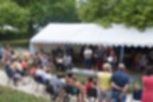 Camping Au Bord du Loir, situé au coeur de la Vallée du Loir en Sarthe, à proximité du Zoo de la Flèche et des 24 Heures du Mans. Idéal pour vacances en famille avec des animations proposées tout l'été. A proximité : balade en nature, pêche, détente, visites des Châteaux de la Loire, de la forêt de Bercé